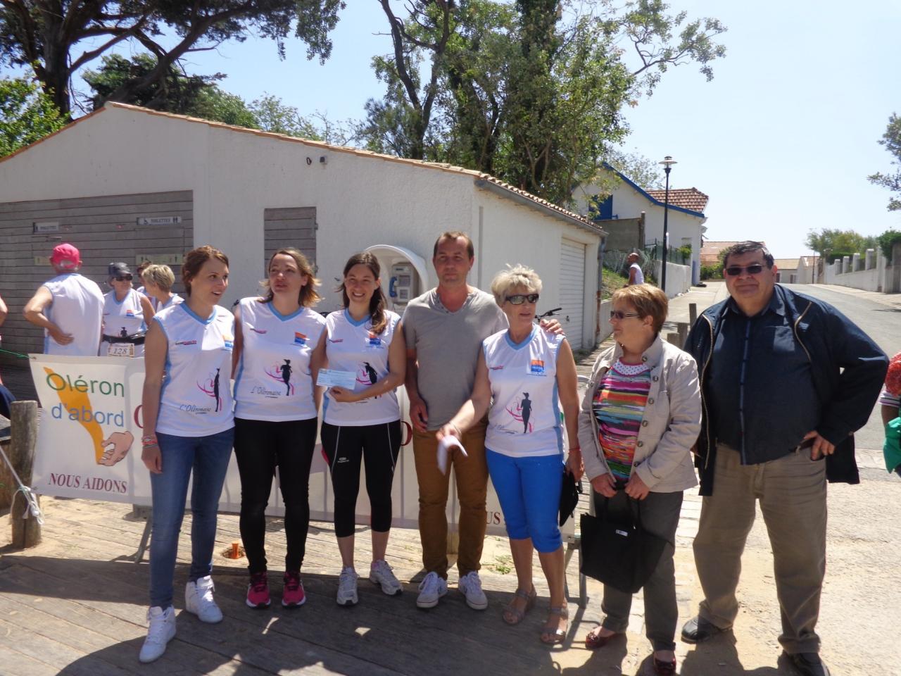 Remise de chèque aux Demoiselles d'Oléron - 24 mai 2015